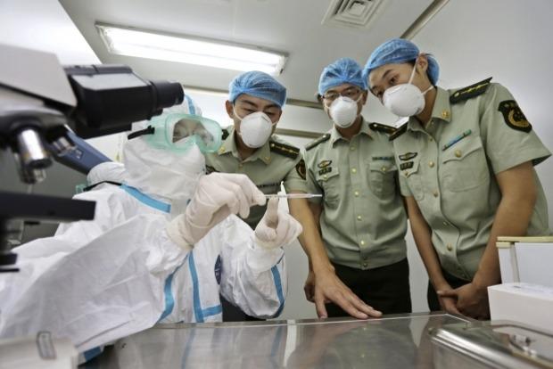 Вакцина от вируса Эбола показала 100-процентную эффективность