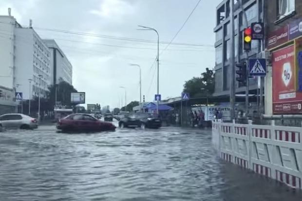 Киев снова не справляется с дождями