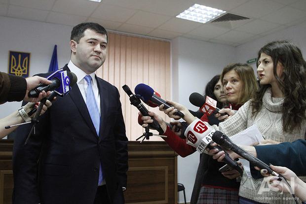 Насиров сдал все паспорта в Миграционную службу