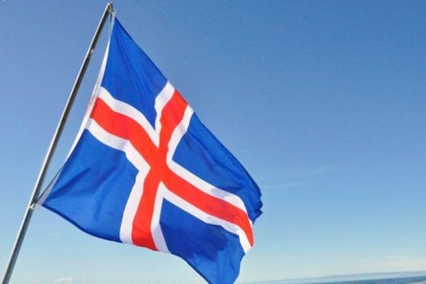В Исландии на президентских выборах лидирует историк Гудни Йоханссон
