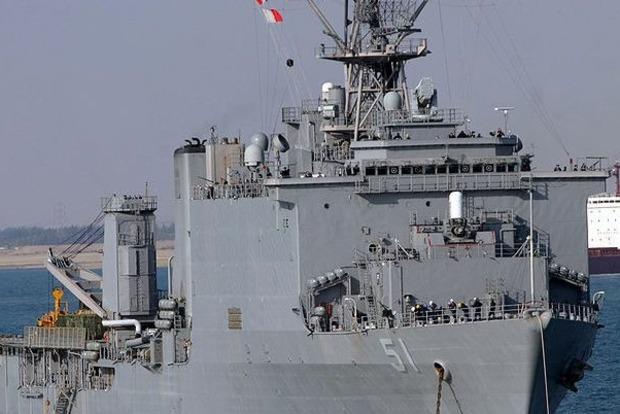 Весенний шторм: В Черное море вошел корабль США с пехотой на борту