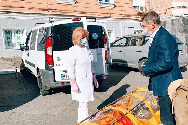Угроза никуда не исчезла и места в больнице заканчиваются. Врачи призвали украинцев не расслабляться