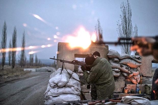 Около Новотроицкого силы АТО заставили боевиков отступить