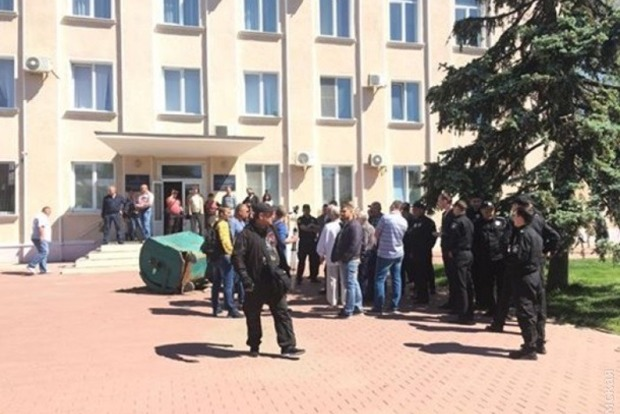 После скандала с зеленкой и мусорным баком в Белгороде-Днестровском разрешили построить церковь