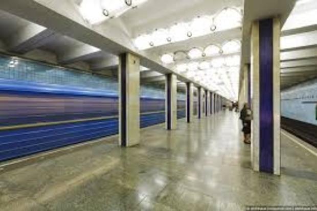 В Харькове в метро умер мужчина
