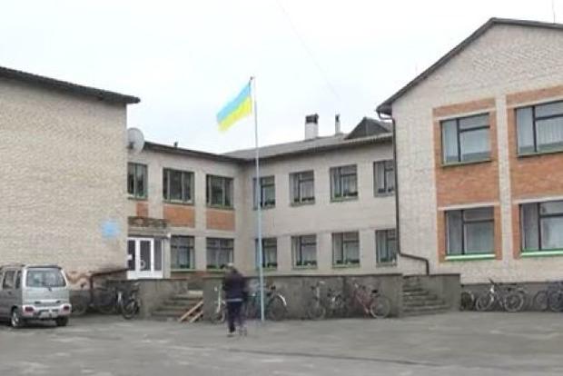 Школьный скандал на Волыни: директор унижает детей и педагогов