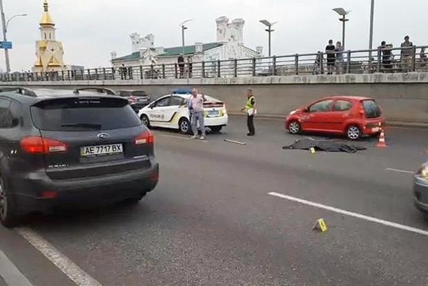 На Набережной в Киеве пешеход лишился головы