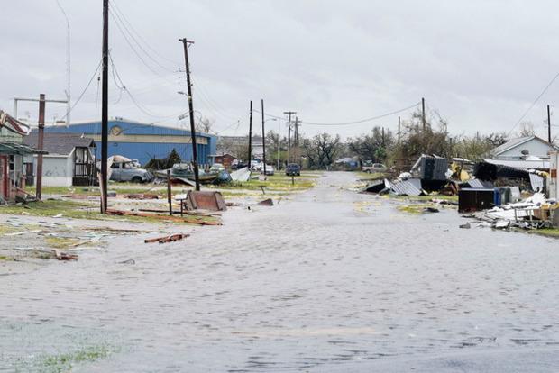 Число жертв урагана Харви в США выросло до 39 человек