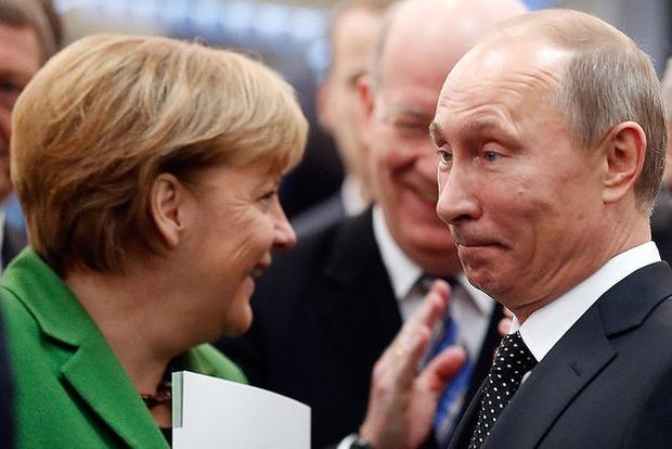 Путин жаловался Меркель на Украину из-за отказа покупать газ