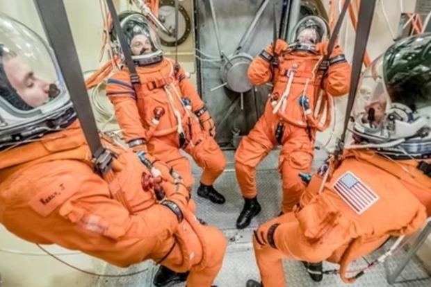 NASA испытало новый скафандр для глубокого космоса