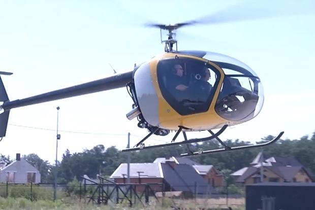 Турчинов показал современные суперлегкие вертолеты украинского производства