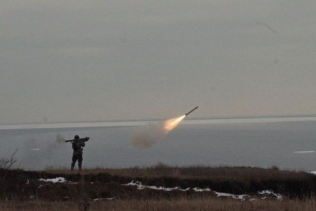 Террористы 9 раз обстреляли позиции сил АТО в понедельник