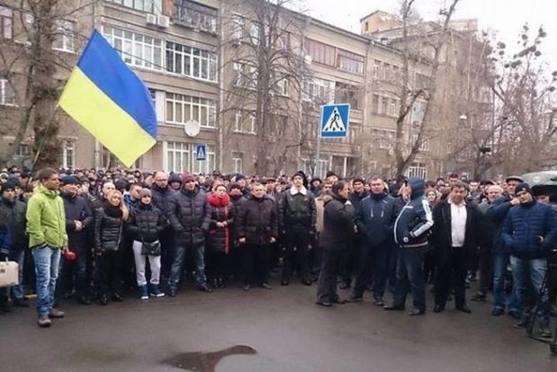 В Киеве 300 перевозчиков перекрыли бульвар Леси Украинки