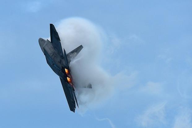 В США разбился истребитель F-22 Raptor (видео)