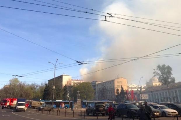 У центрі Москви горить Луб'янка: опубліковані фото і відео