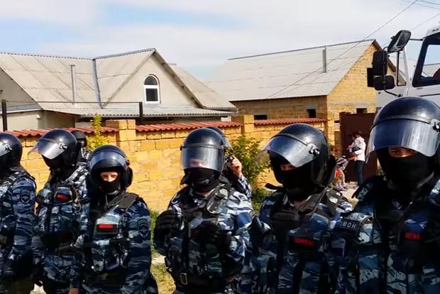 Оккупанты провели очередные обыски и задержания крымских татар