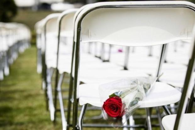 Родичі жертв рейсу MH17 провели акцію біля посольства Росії в Гаазі