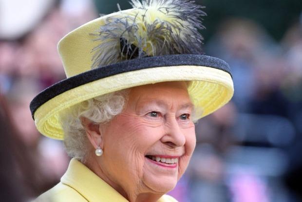Сильная простуда повлияла на рождественские планы королевы Елизаветы II