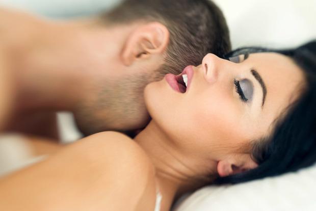 Надо что-то менять: 6 признаков имитации женского оргазма