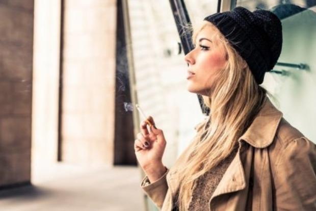 Пассивное курение увеличивает риск выкидышей у беременных женщин