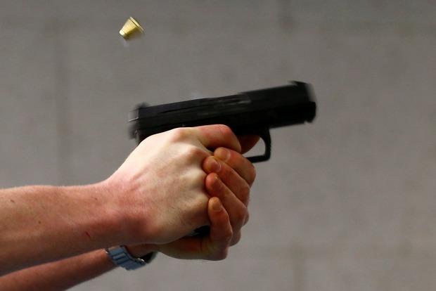 В Затоке пьяный мужчина устроил стрельбу в баре