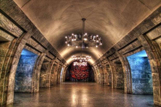 В Киеве станцию «Олимпийская» закроют на вход и выход с 19:00 до 20:00 из-за футбола