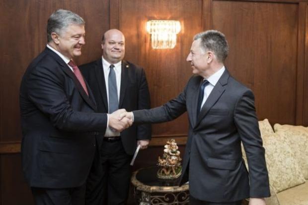 Порошенко с Волкером обсудили шаги для деоккупации Донбасса