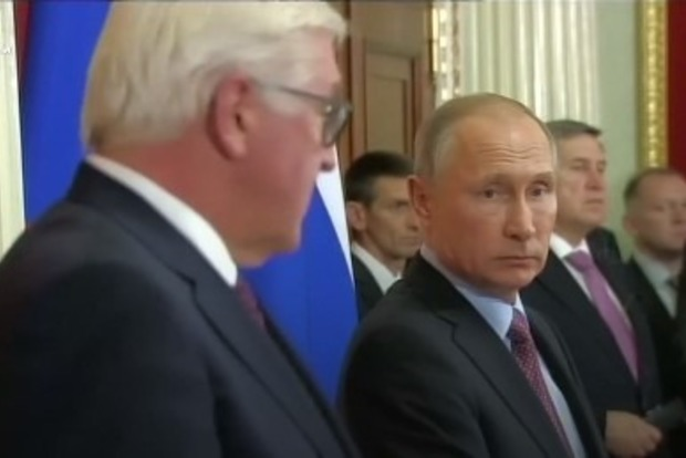 Отчитал как мальчика. Штайнмайер ткнул Путина лицом в украденные Крым и Донбасс