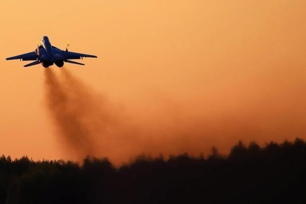 Порошенко создал специальную военно-воздушную зону над оккупированным Донбассом