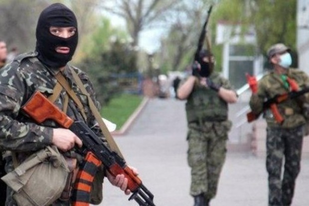 Командование РФ запретило мужчинам покидать Донбасс без справки военкомата