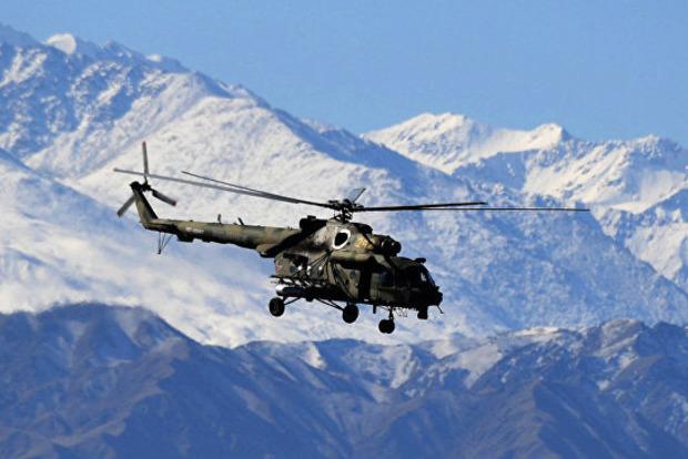В Таджикистане рухнул военный вертолет с альпинистами. Много погибших
