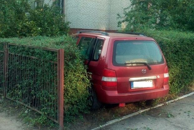 В Луцке пьяный мужчина устроил ДТП и ударил полицейского