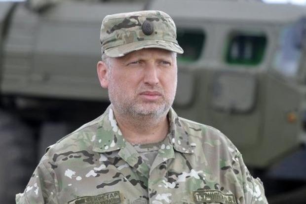 Бойовики намагаються прорвати оборону тазахопити стратегічні рубежі,— Турчинов