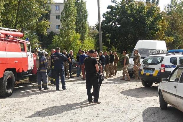 Полицейские закрыли собой мужчину, который пытался взорвать гранату в суде
