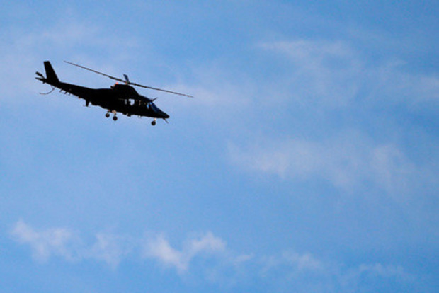 В Бельгии пилот выбросился из вертолета на ходу