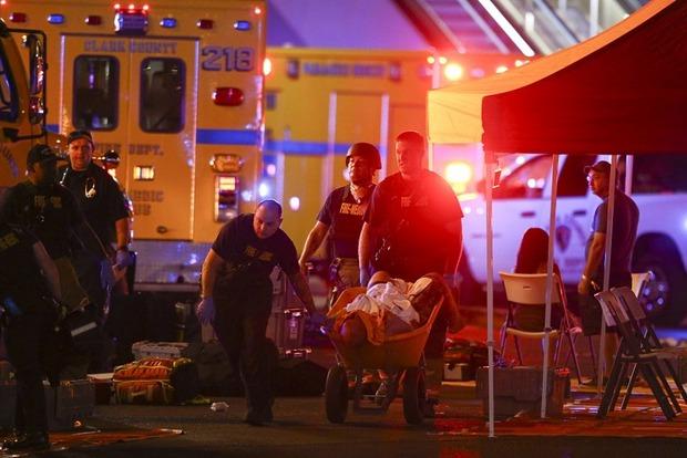 Кровавый фестиваль в Лас-Вегасе. Полиция сообщает о более 20 погибших и сотне раненных
