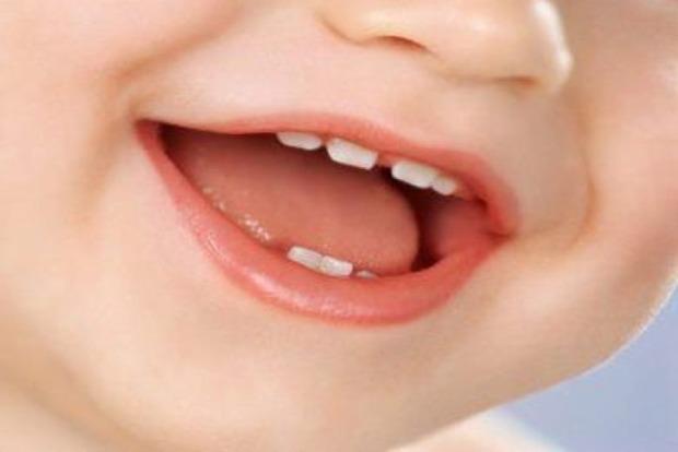 Отдать мышке? Забавные приметы, связанные с детскими молочными зубами