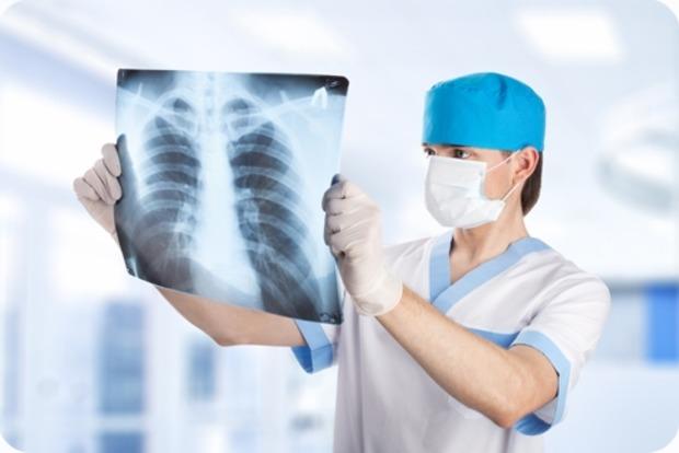 Просроченные лекарства и все больше больных. Как Минздрав  выполнил программу по борьбе с туберкулезом