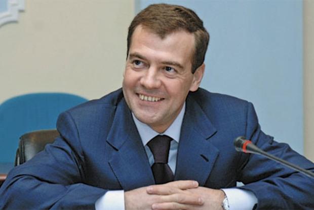Майдан близится. Разъяренные россияне затроллили кортеж Медведева