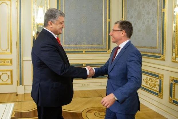 Порошенко обговорив з Волкером війну на Донбасі і Північний Потік-2