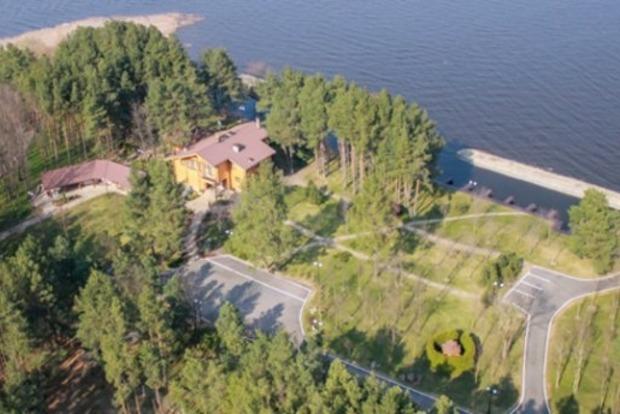 Чиновники затягивают превращение охотничьих резиденций Януковича в национальные парки