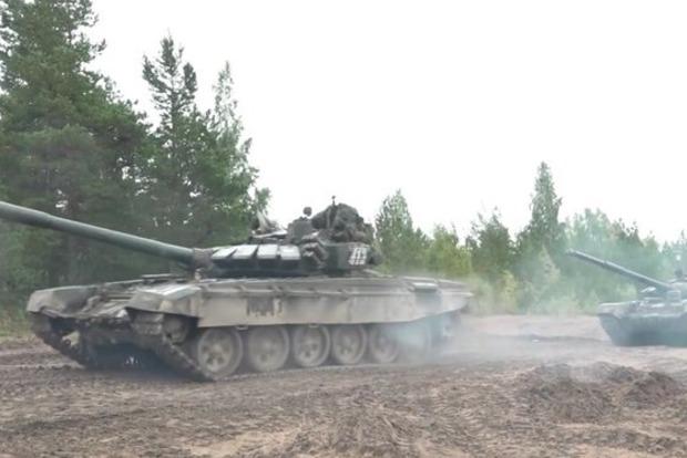 Москва послала в Беларусь танковую армию, которую там не ждут