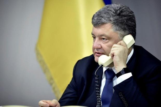 Обсудили обмен пленными: у Порошенко раскрыли подробности телефонного разговора с Путиным