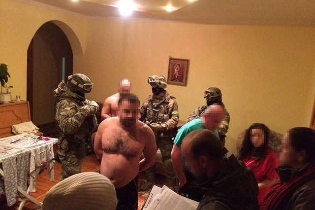 Украинская милиция разоблачила банду угонщиков элитных авто— Помогли немцы
