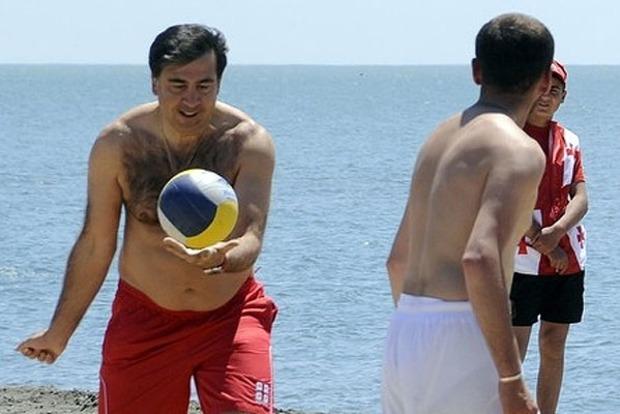 Парламентские каникулы в гостях у Саакашвили