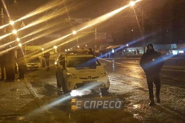 На Троещине в полицейский автомобиль бросили гранату