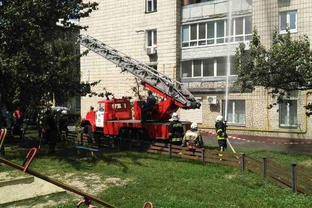 Во время пожара в киевской многоэтажке один человек выбросился из окна, а двое сгорели заживо