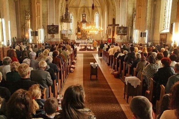 Посол Папы Римского отслужил в «ЛНР» воскресную мессу