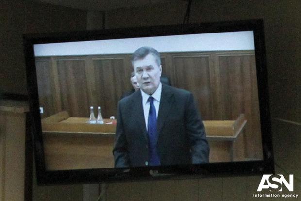 Сегодня беглый Янукович должен явиться на допрос в Генпрокуратуру как подозреваемый