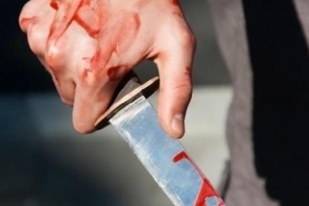 5 ударов в грудь: в Мелитополе бывший участковый зарезал 9-летнего сына